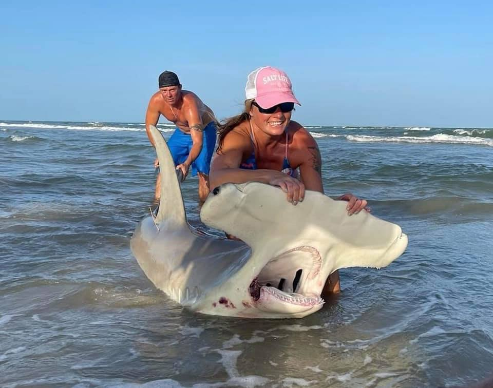 Texas Woman Beaches Giant 11.5-Foot Hammerhead While Fishing From a Pickup Truck